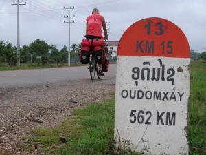 014-km-paal-oudomxay